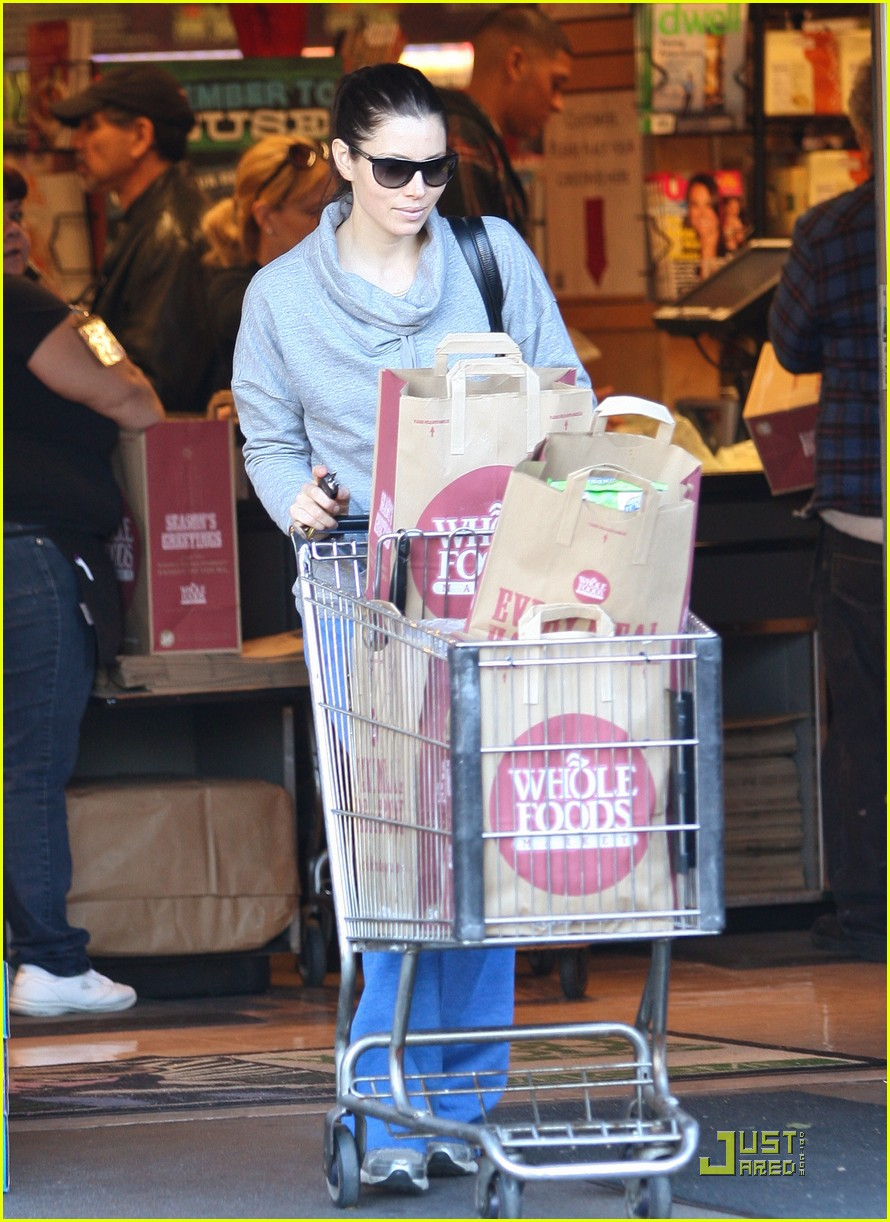 jessica biel whole foods shopper 07