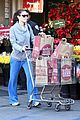 jessica biel whole foods shopper 04