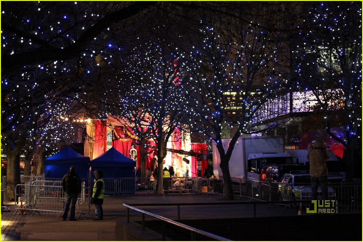 Christmas Lights Coldplay Lyrics A Song Andtenmaenglish Picture