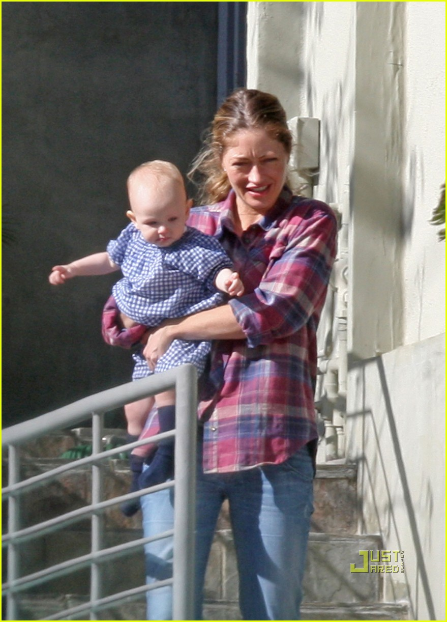 rebecca gayheart billie wave 03