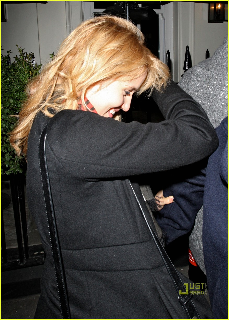 dianna agron alex pettyfer thanksgiving 02
