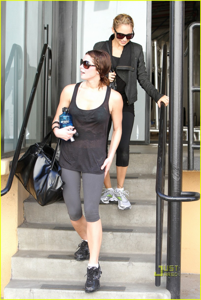 nicole richie ashley greene gym studio city 042493398