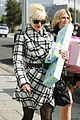 gwen stefani baby shower for erin lokitz 01