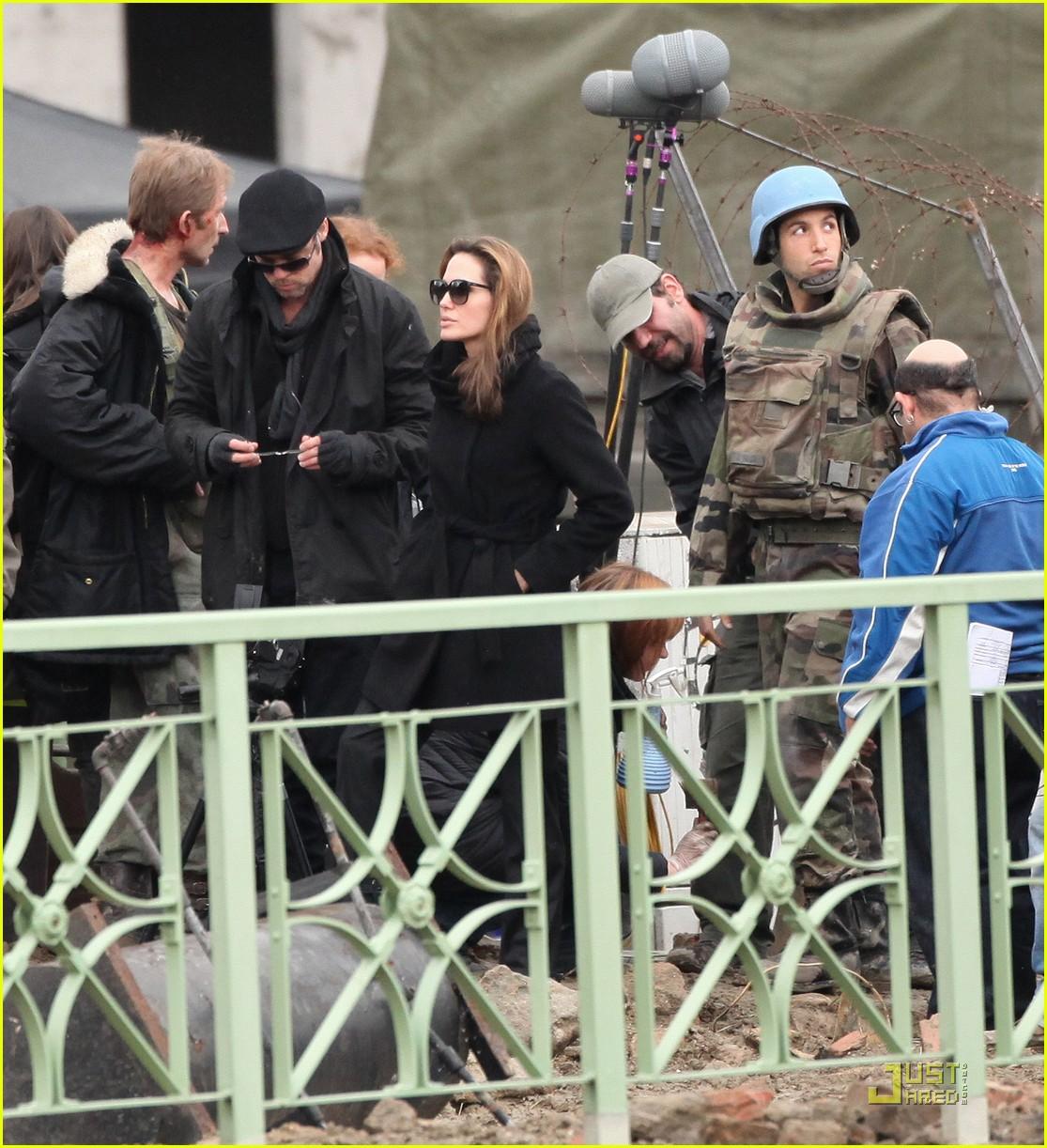 angelina jolie brad pitt filming 01