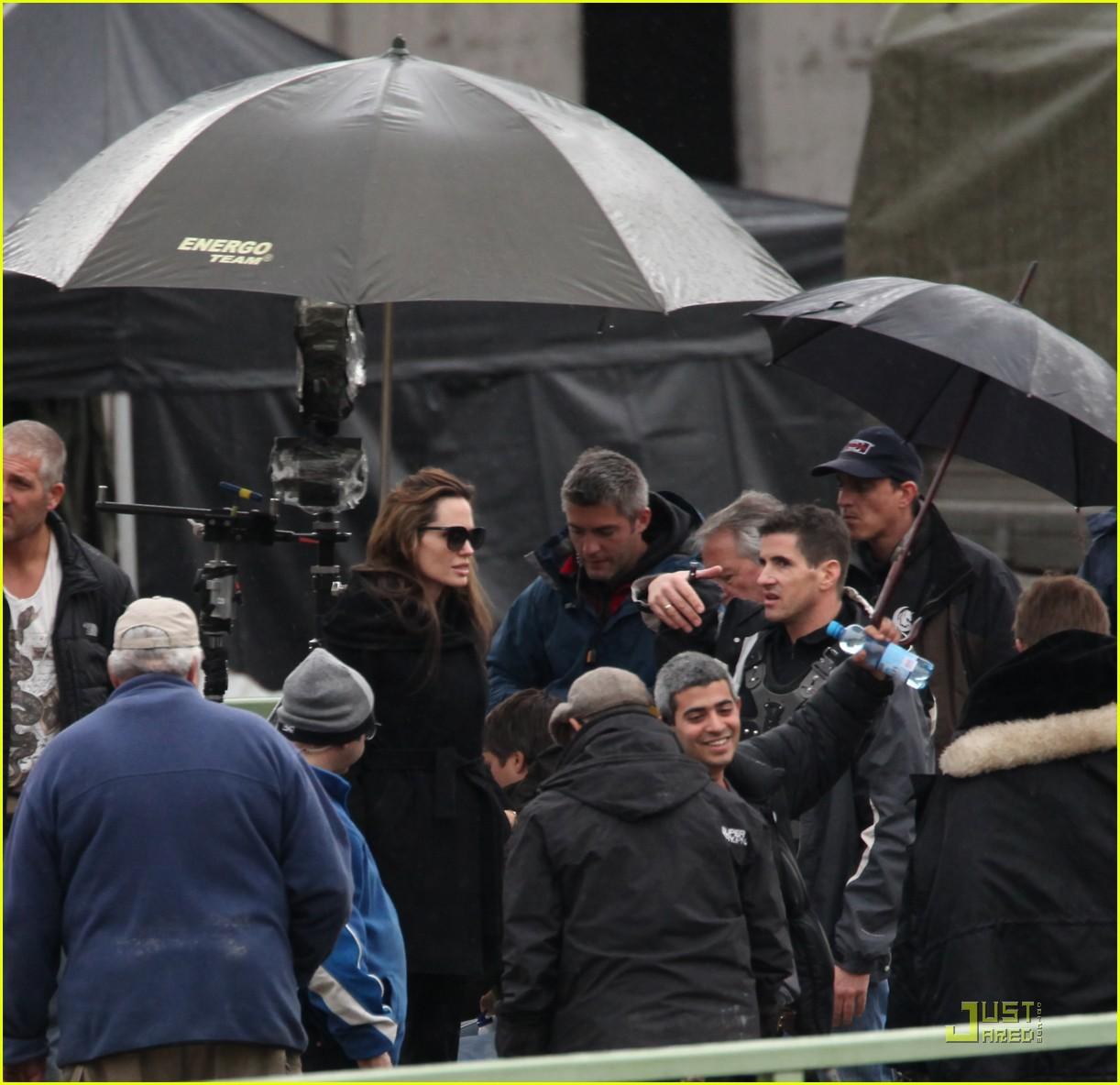 angelina jolie brad pitt filming 052494650