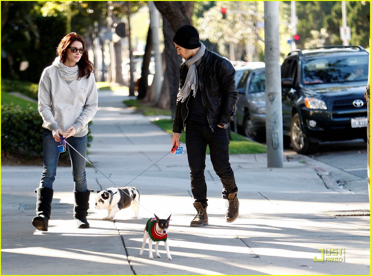 joe jonas ashley greene hollywood 12