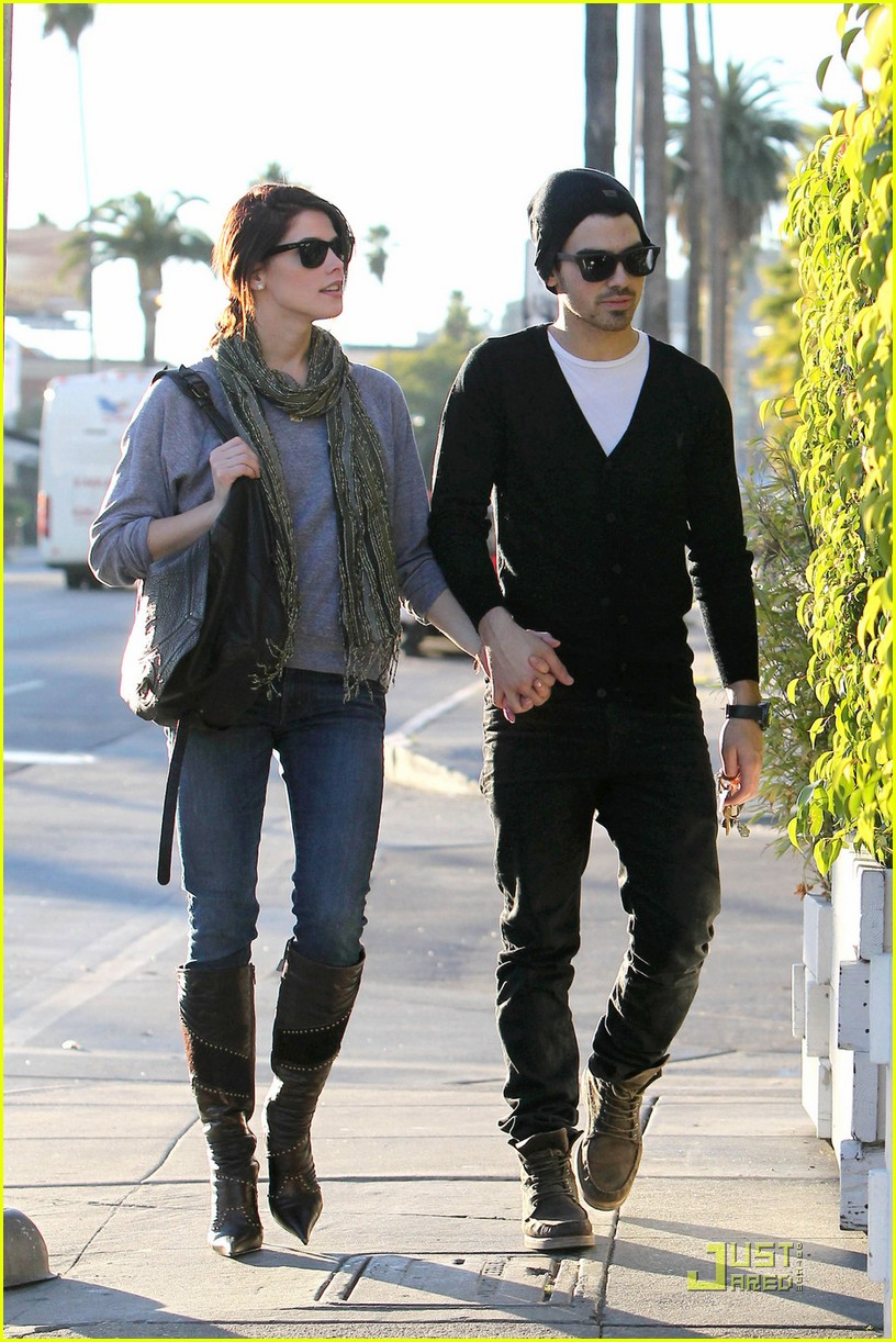 joe jonas ashley greene hollywood 152498924