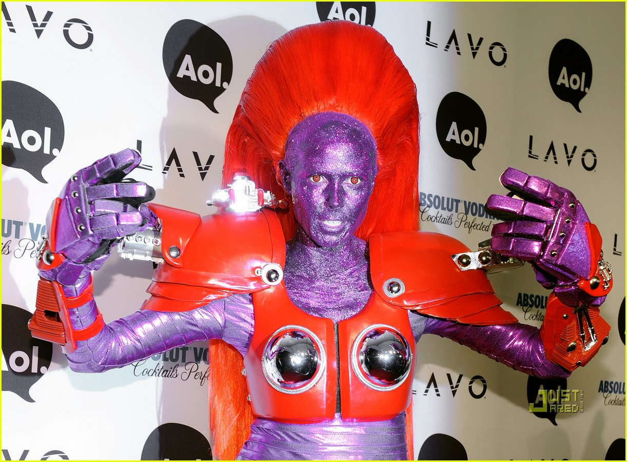 heidi klum halloween party with kesha 19