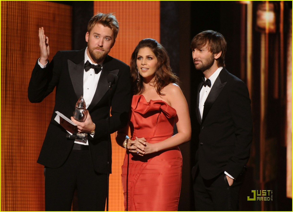 miranda lambert lady antebellum cma award winners 16
