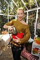 ali larter peanut butter baby bump with julie bowen 06