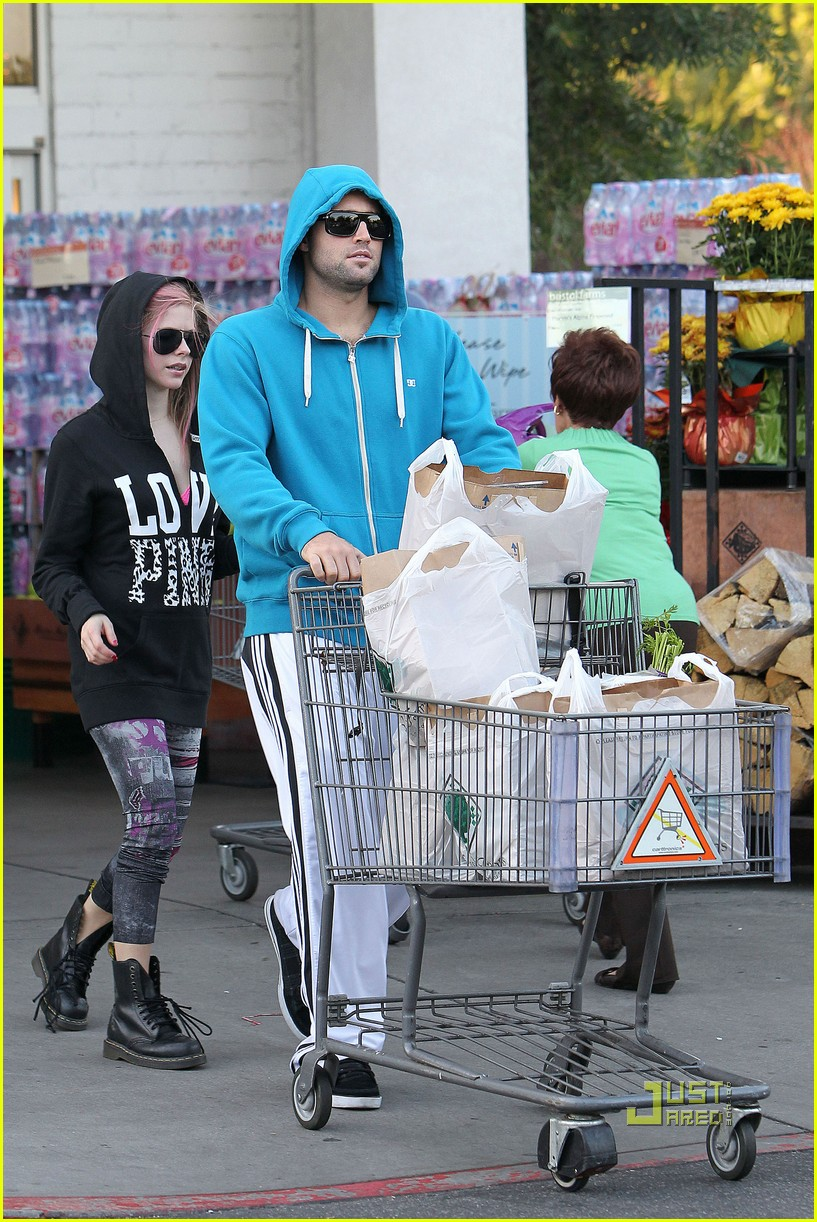 avril lavigne hoodies aviators groceries 052496270