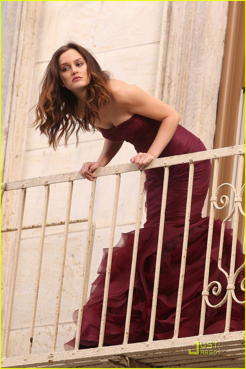 leighton meester shoots vera wang fragrance commercial 09