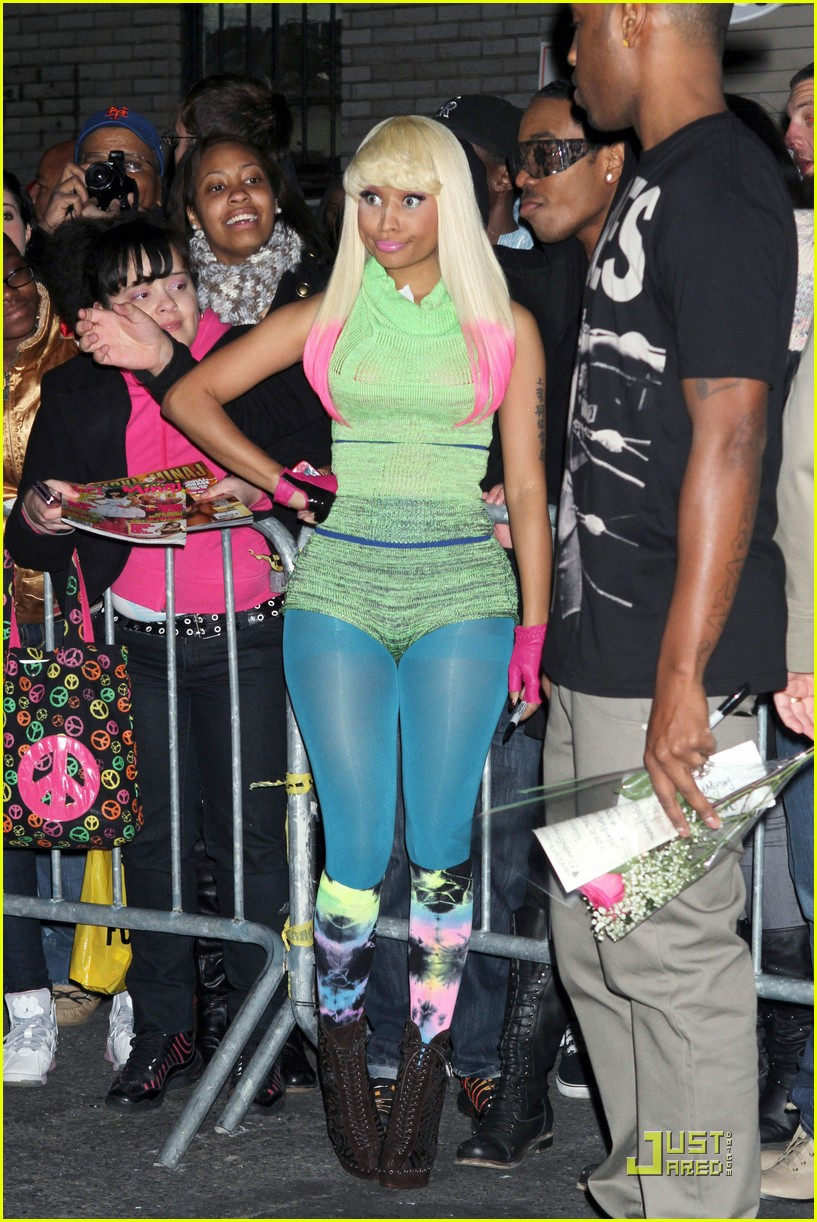 nicki minaj does david letterman 09