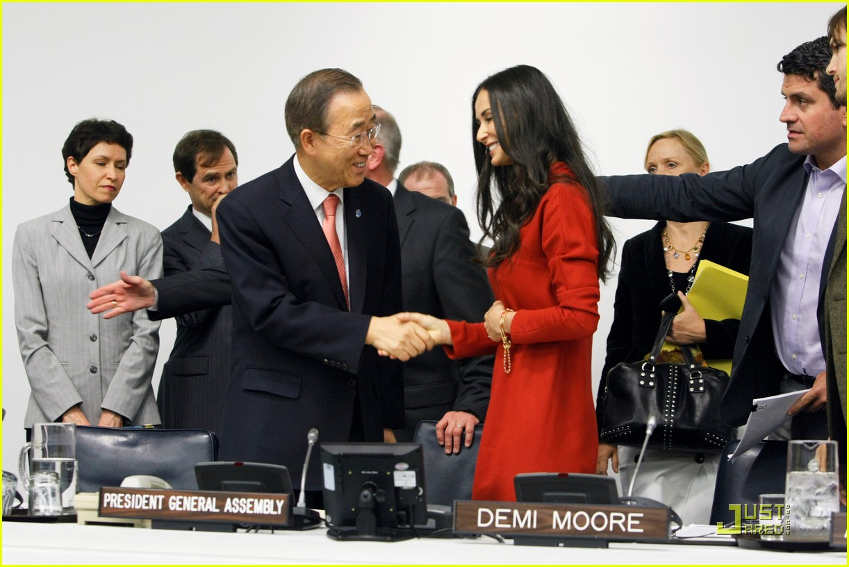 demi moore ashton kutcher fight human trafficking 09