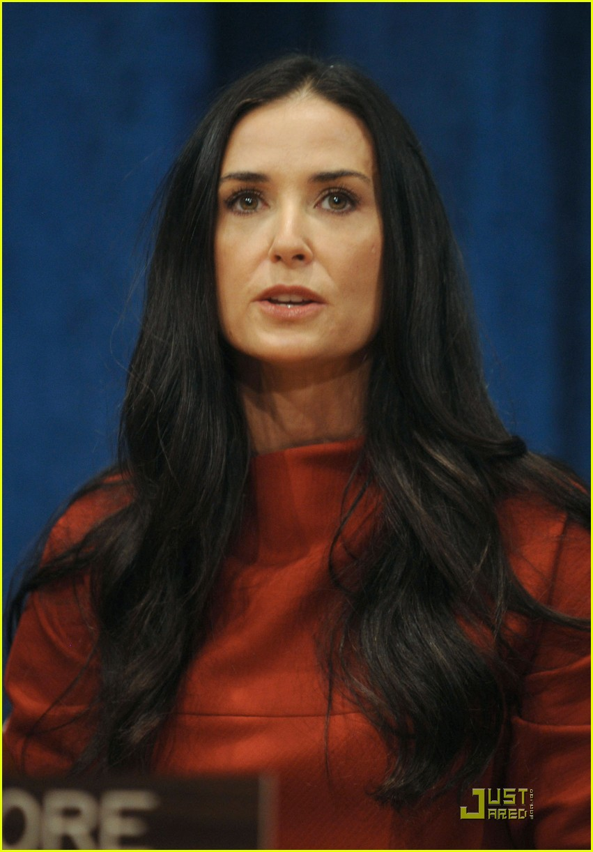 demi moore ashton kutcher fight human trafficking 12