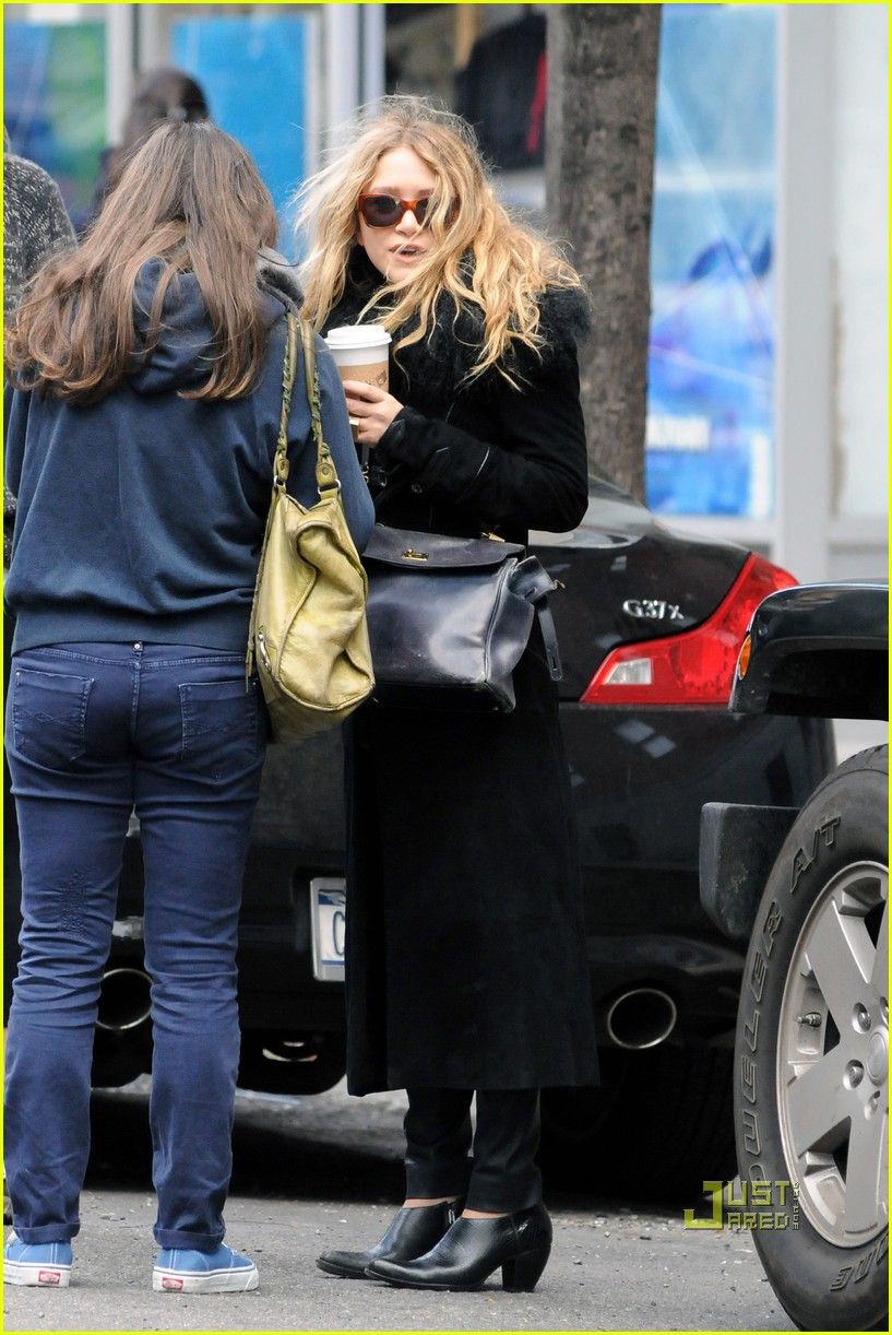 mary kate olsen warms up with a coffee 02