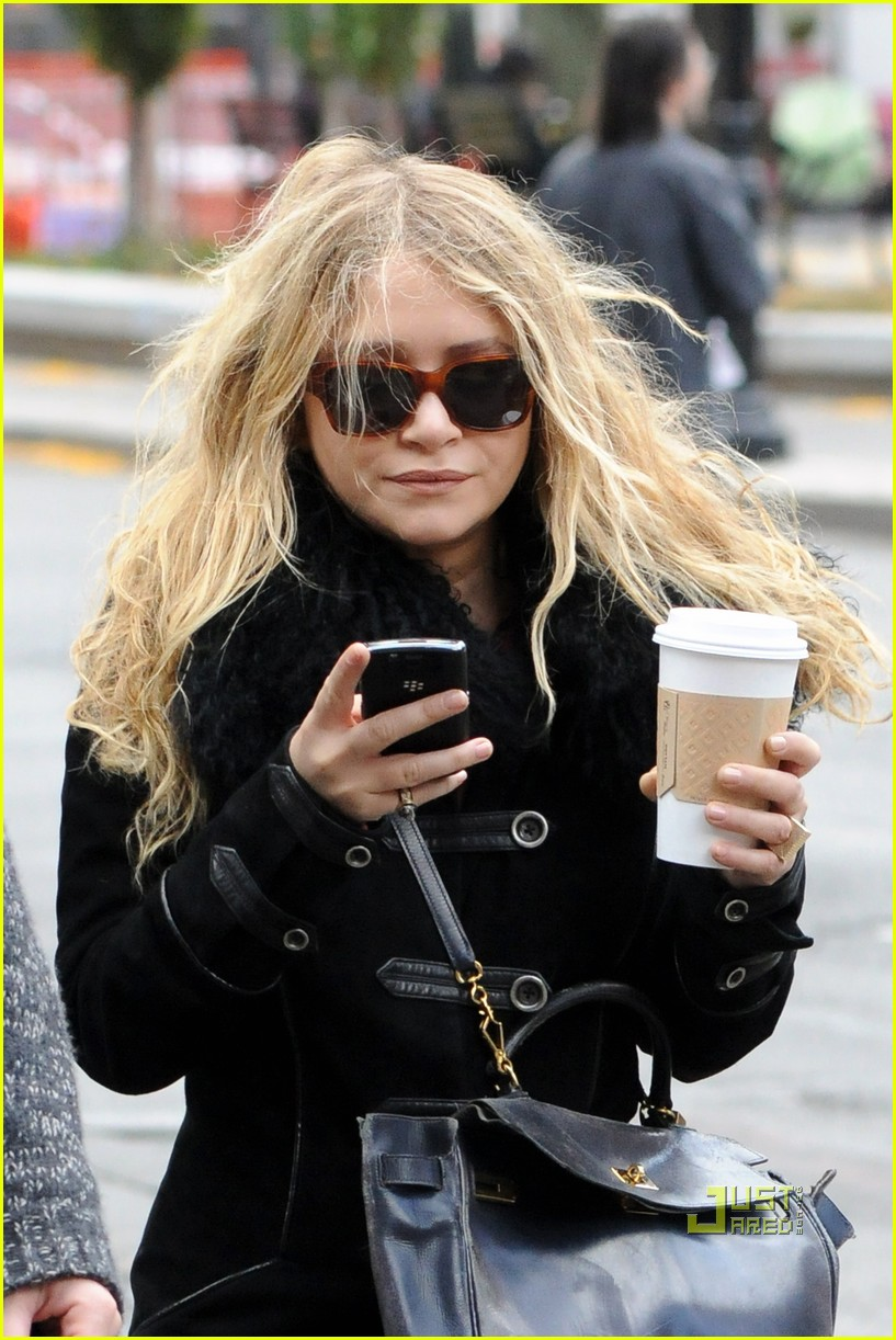 mary kate olsen warms up with a coffee 03