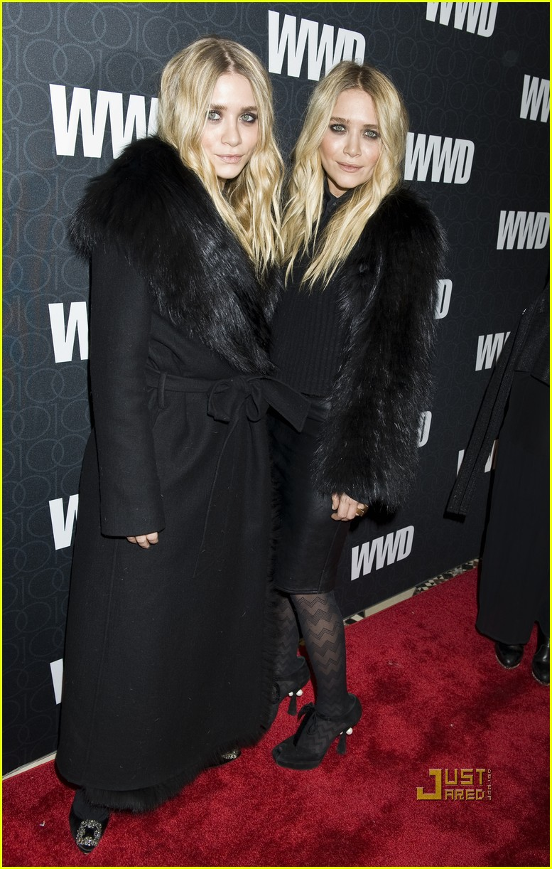 mary kate ashley olsen womens wear daily gala 13