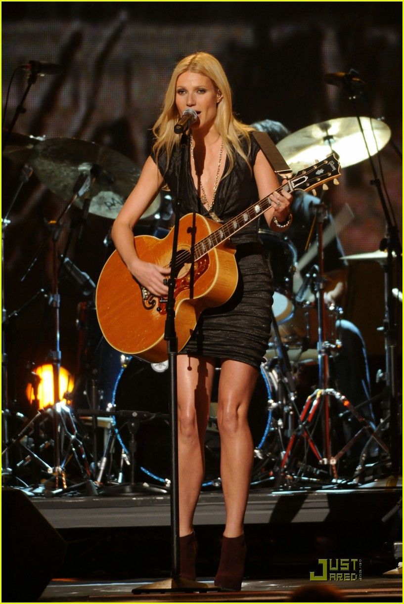 gwyneth paltrow performance 09