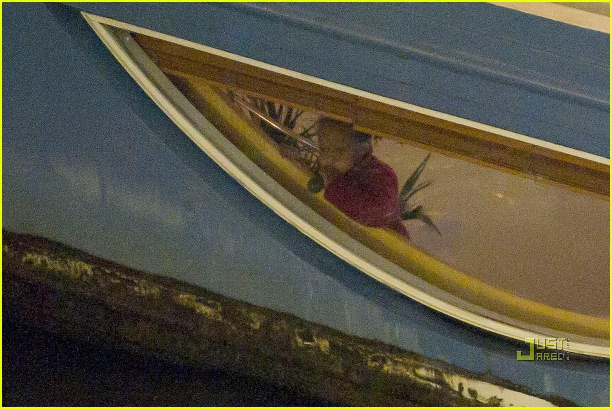 brad pitt angelina jolie pax birthday boat 21