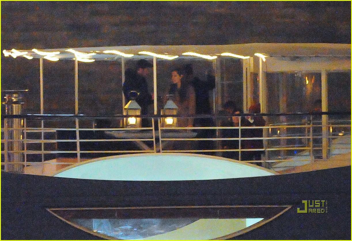 brad pitt angelina jolie pax birthday boat 32