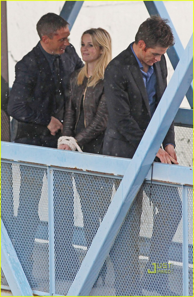 reese witherspoon tom hardy chris pine this means war 10