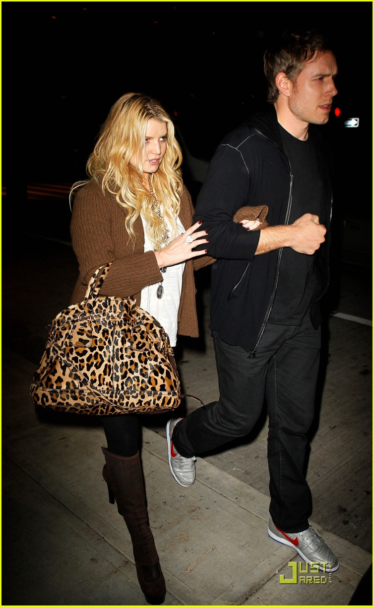 jessica simpson eric johnson celebrate their engagement 04