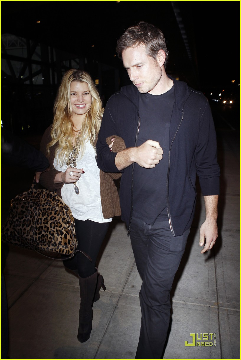 jessica simpson eric johnson celebrate their engagement 082497510