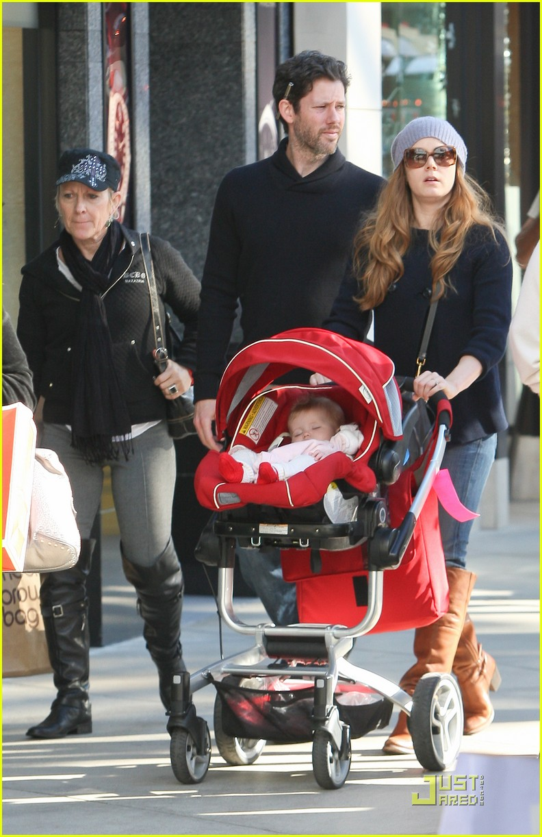 amy adams christmas shopping darren le gallo 07