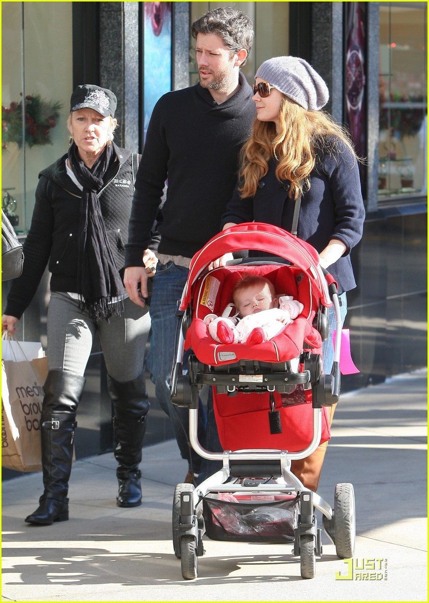 amy adams christmas shopping darren le gallo 09