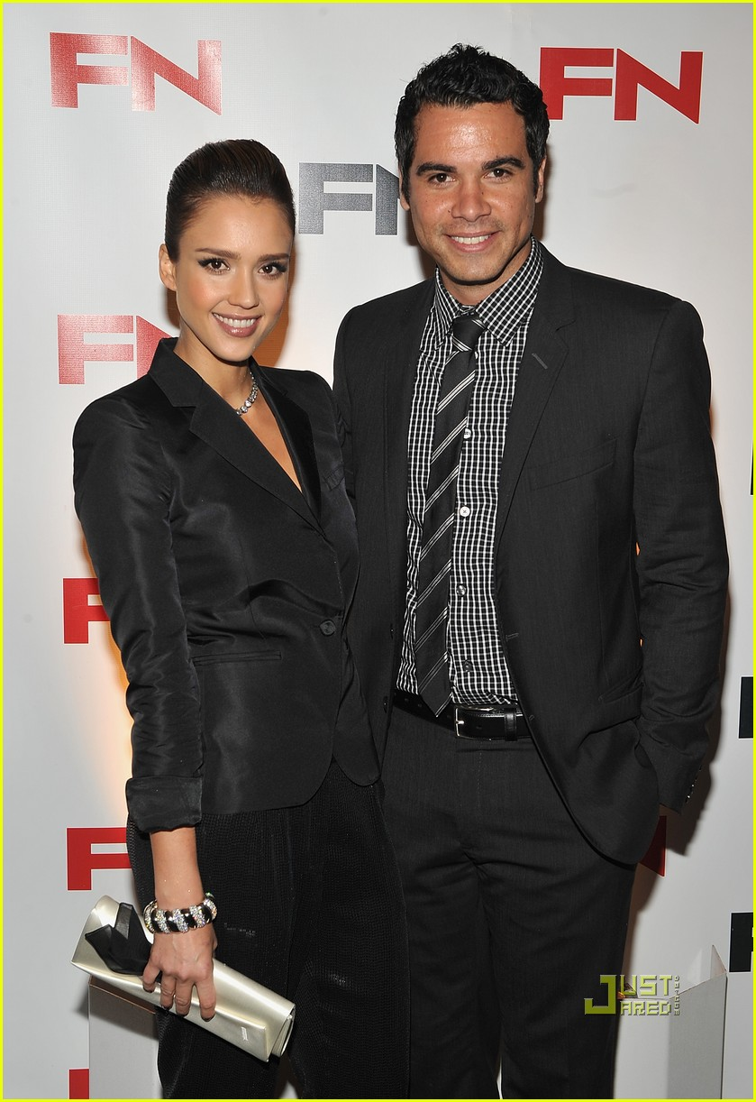 jessica alba cash warren footwear awards 03