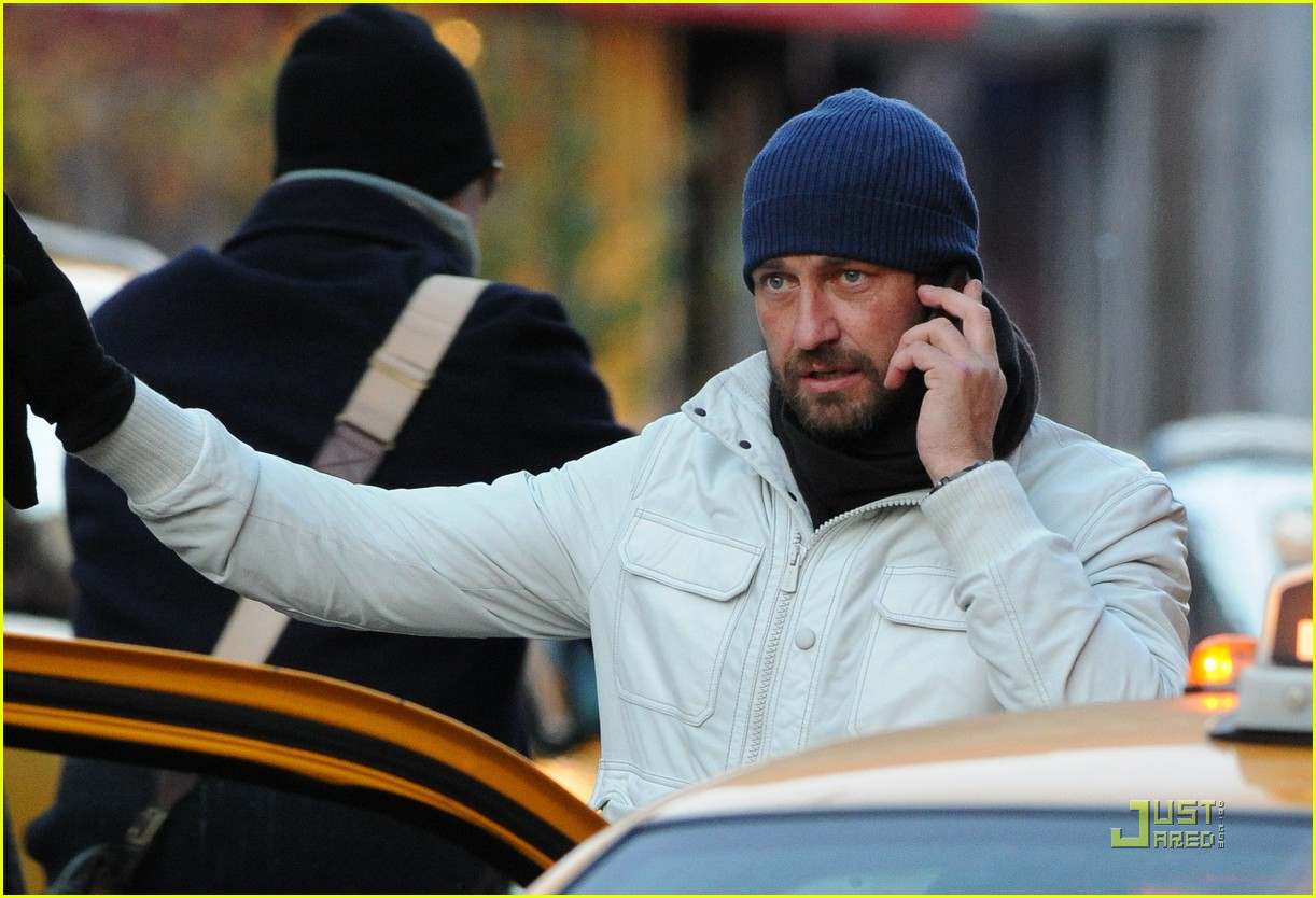 gerard butler on the run ny 02
