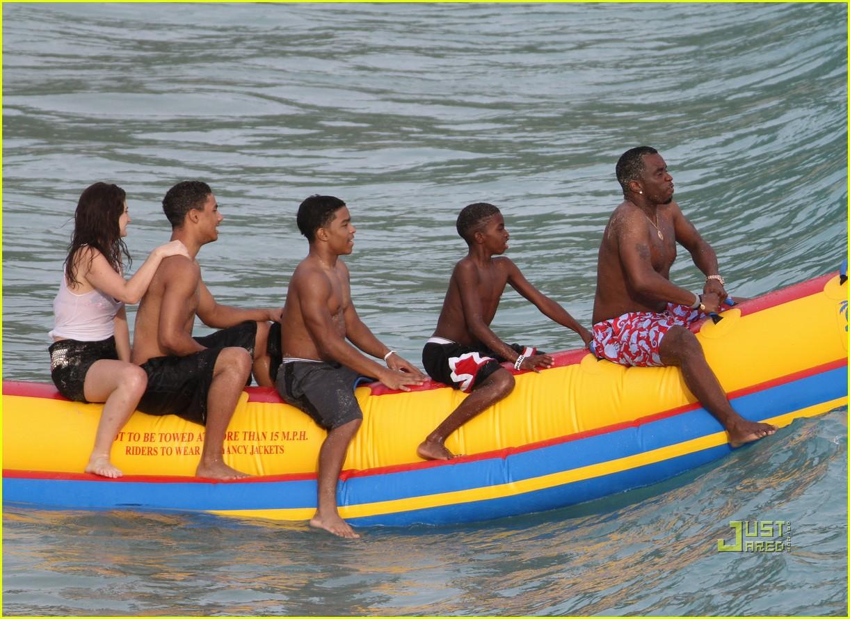 diddy banana boat 01