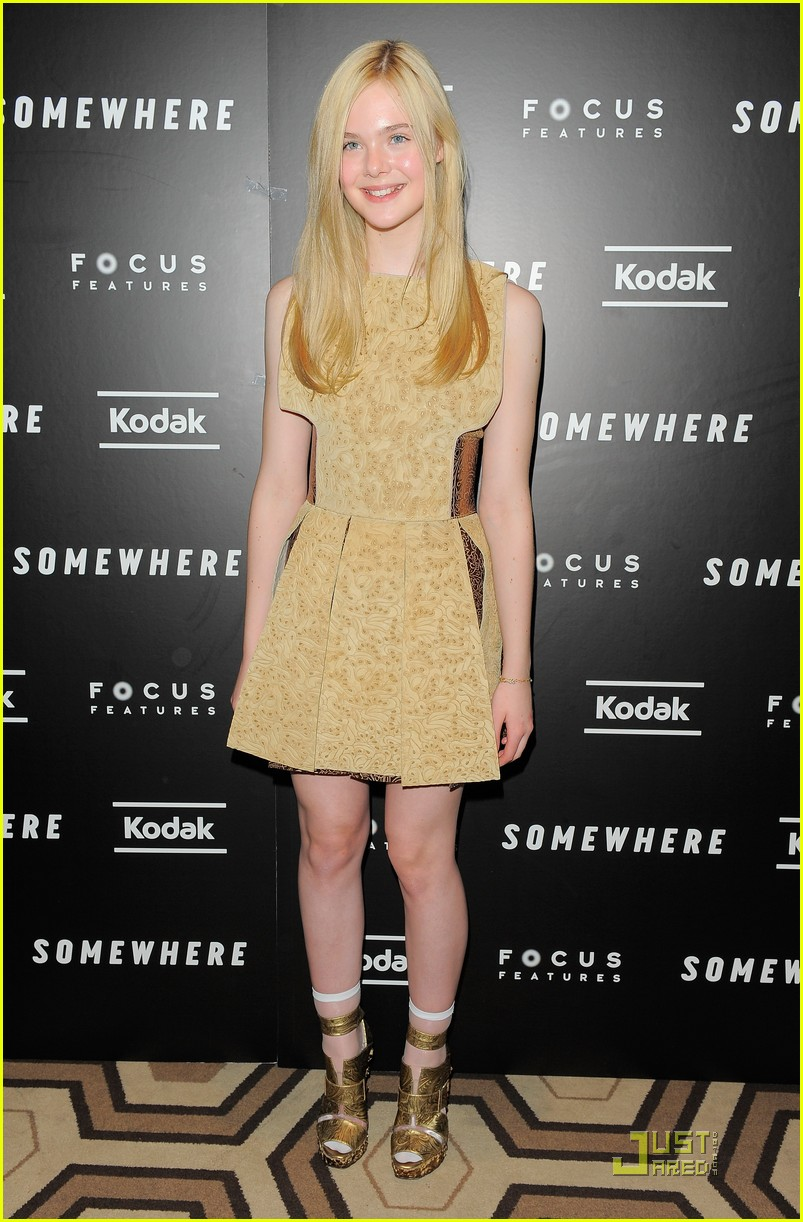 elle fanning somewhere nyc premiere 05