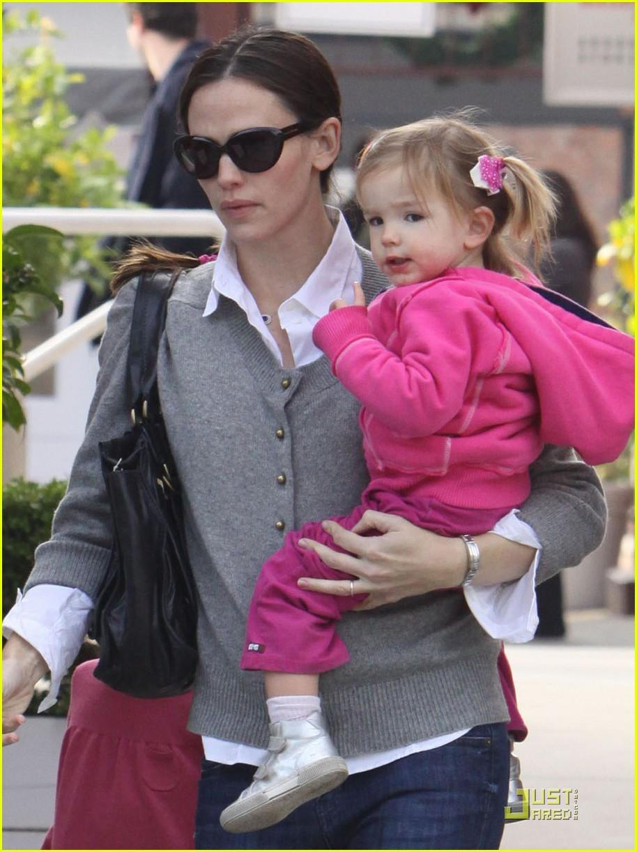 Jen & Ben Reveal Baby Name: Seraphina Rose Elizabeth ...