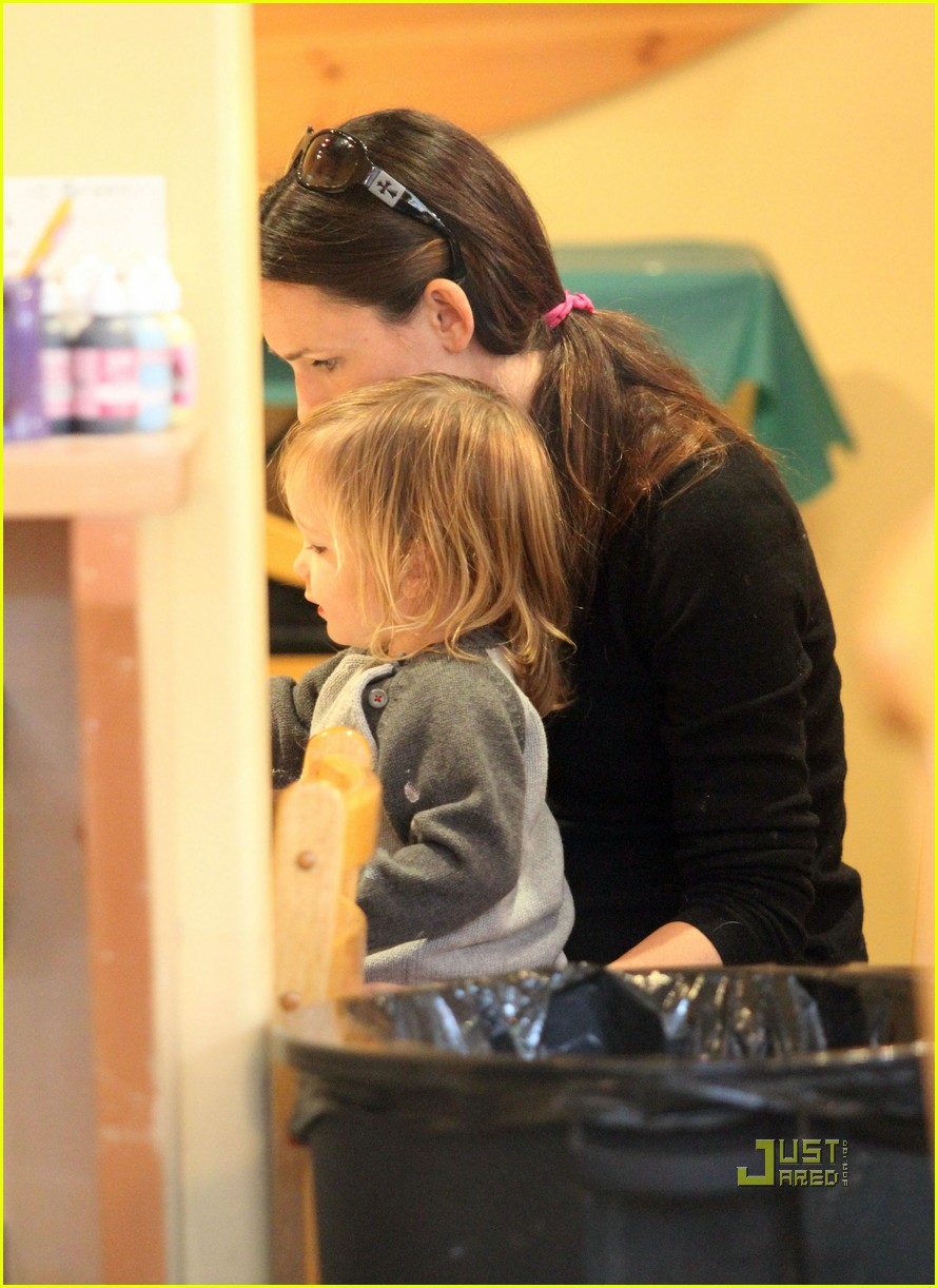 jennifer garner color me mine momma 03