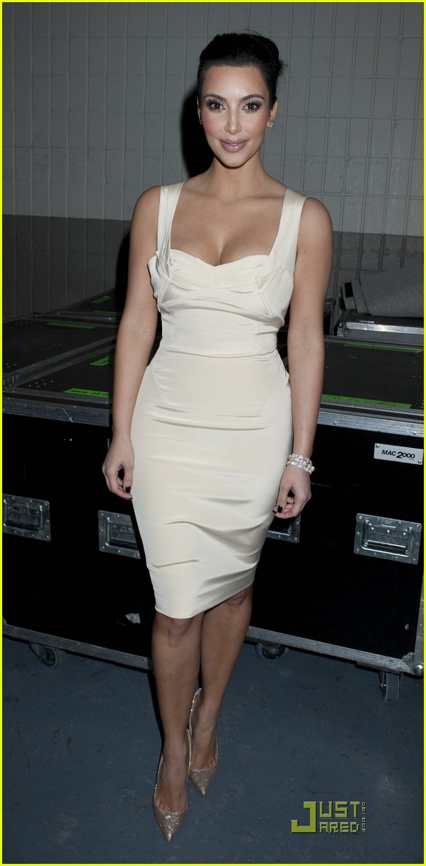 kim kardashian z100 jingle ball 2010 06
