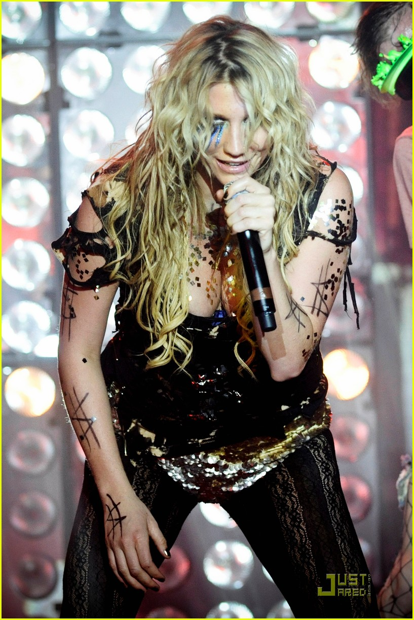 kesha billboard 14