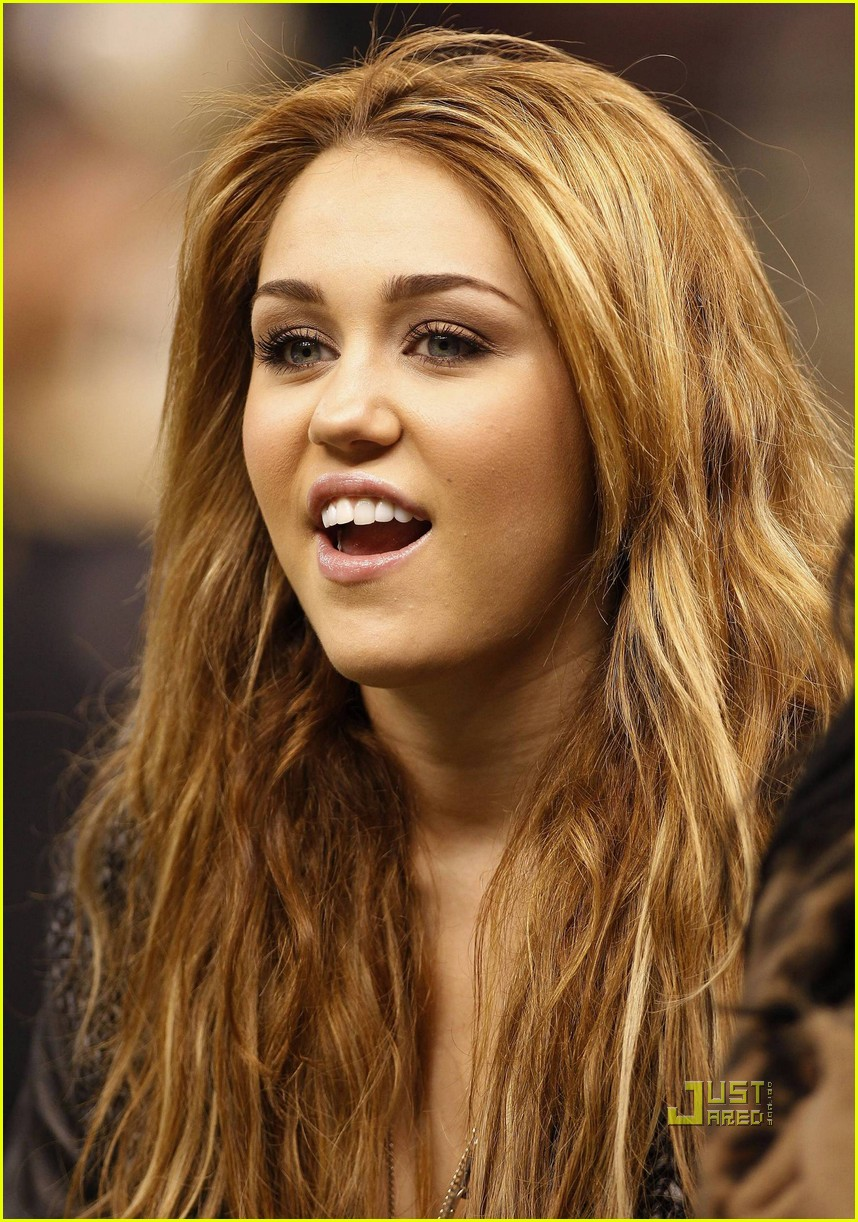 miley cyrus undercover set 19