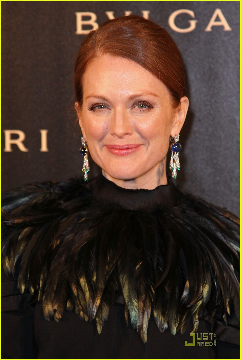 julianne moore bulgari 16