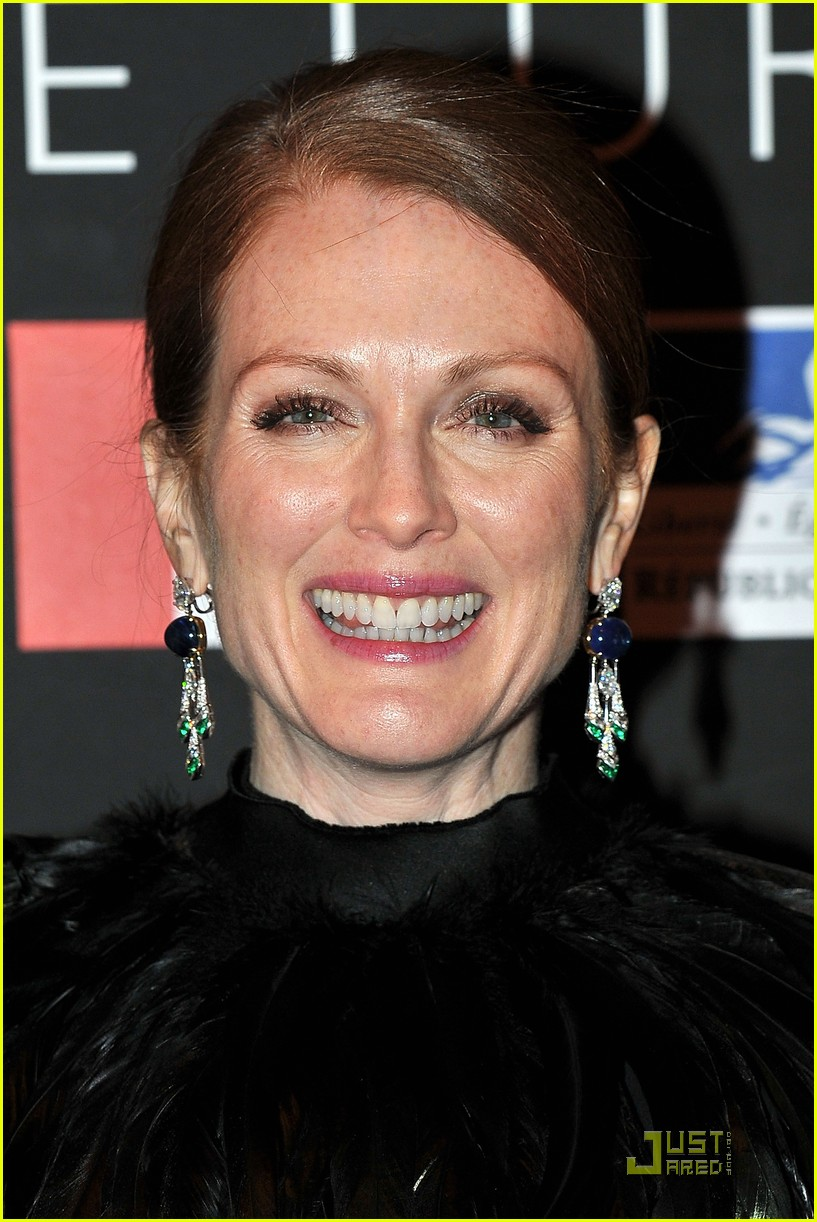 julianne moore bulgari 172502742
