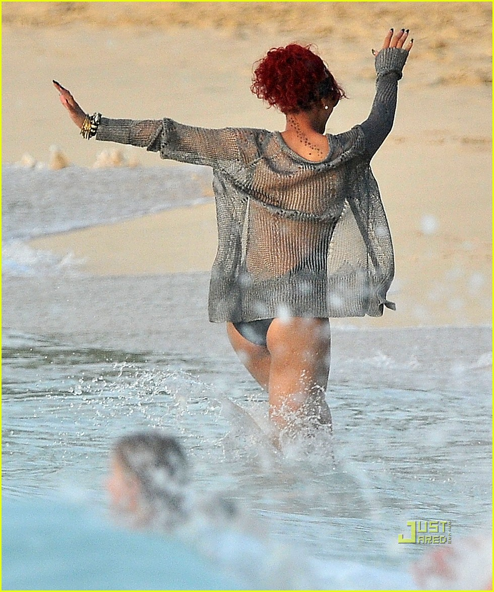 rihanna christmas barbados 01