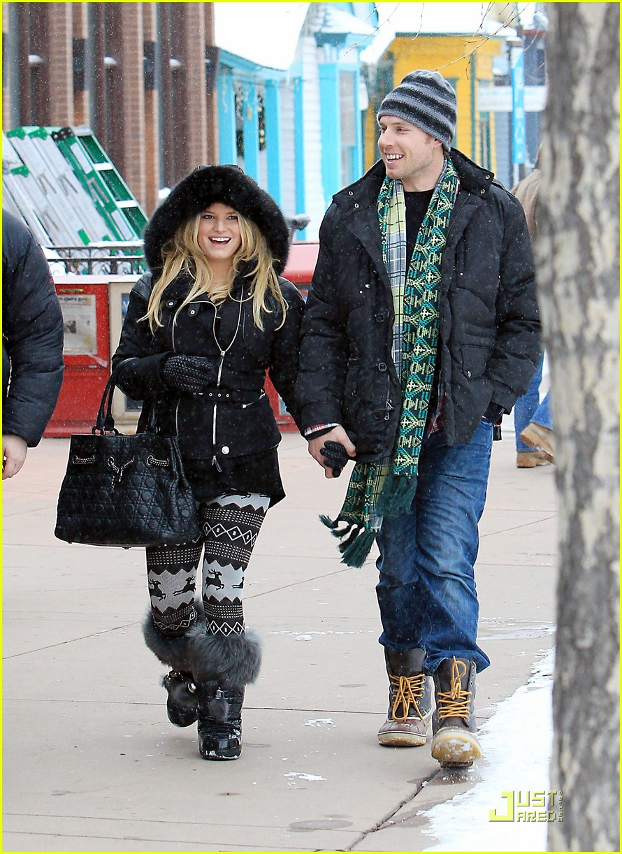 jessica simpson eric johnson snow 10