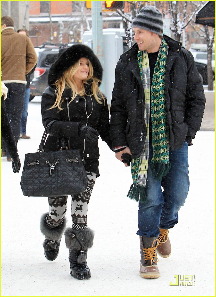 jessica simpson eric johnson snow 11