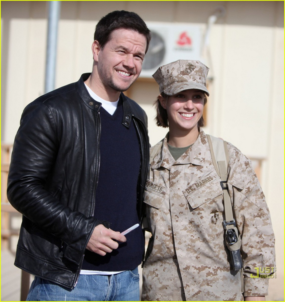 mark wahlberg salutes troops 01