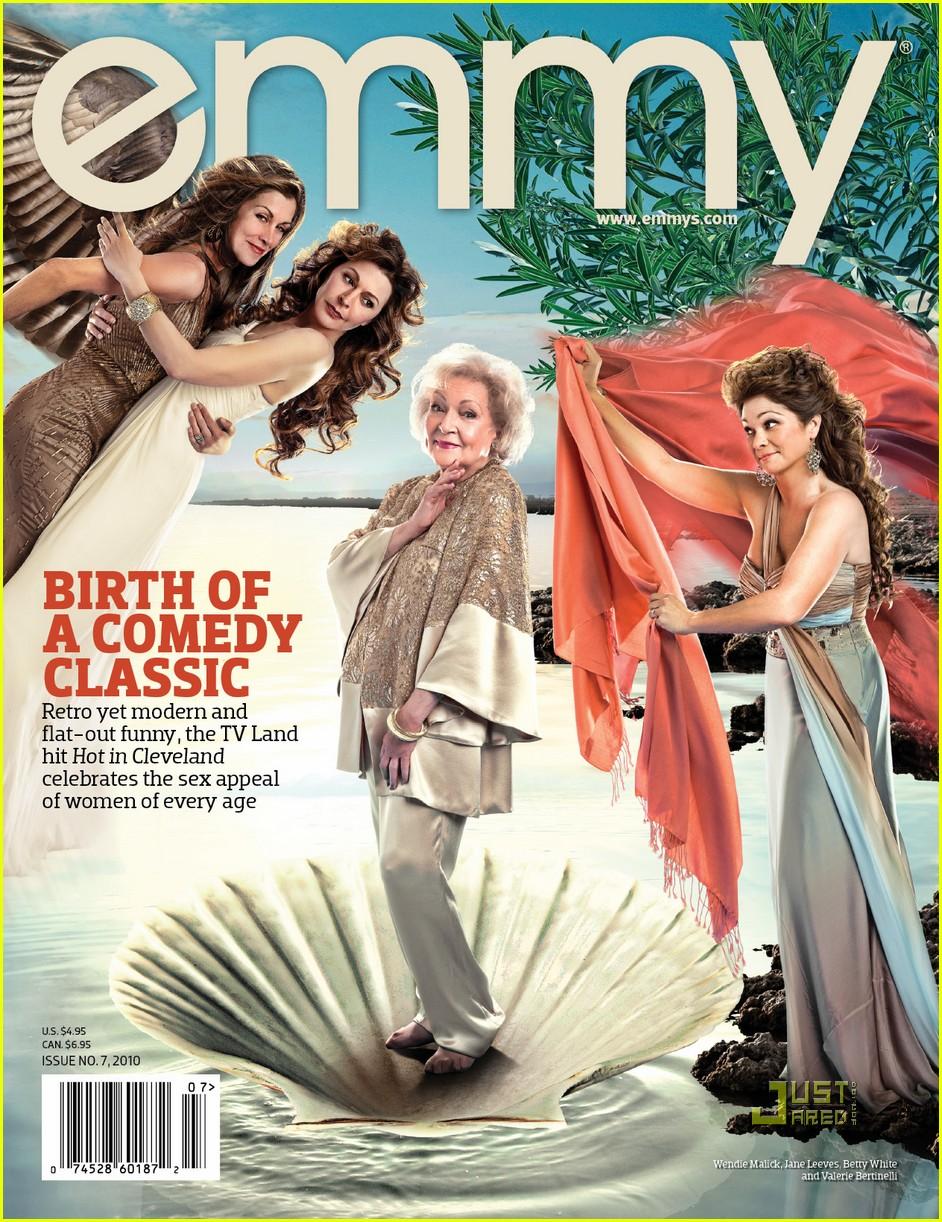 betty white venus de milo emmy magazine 01