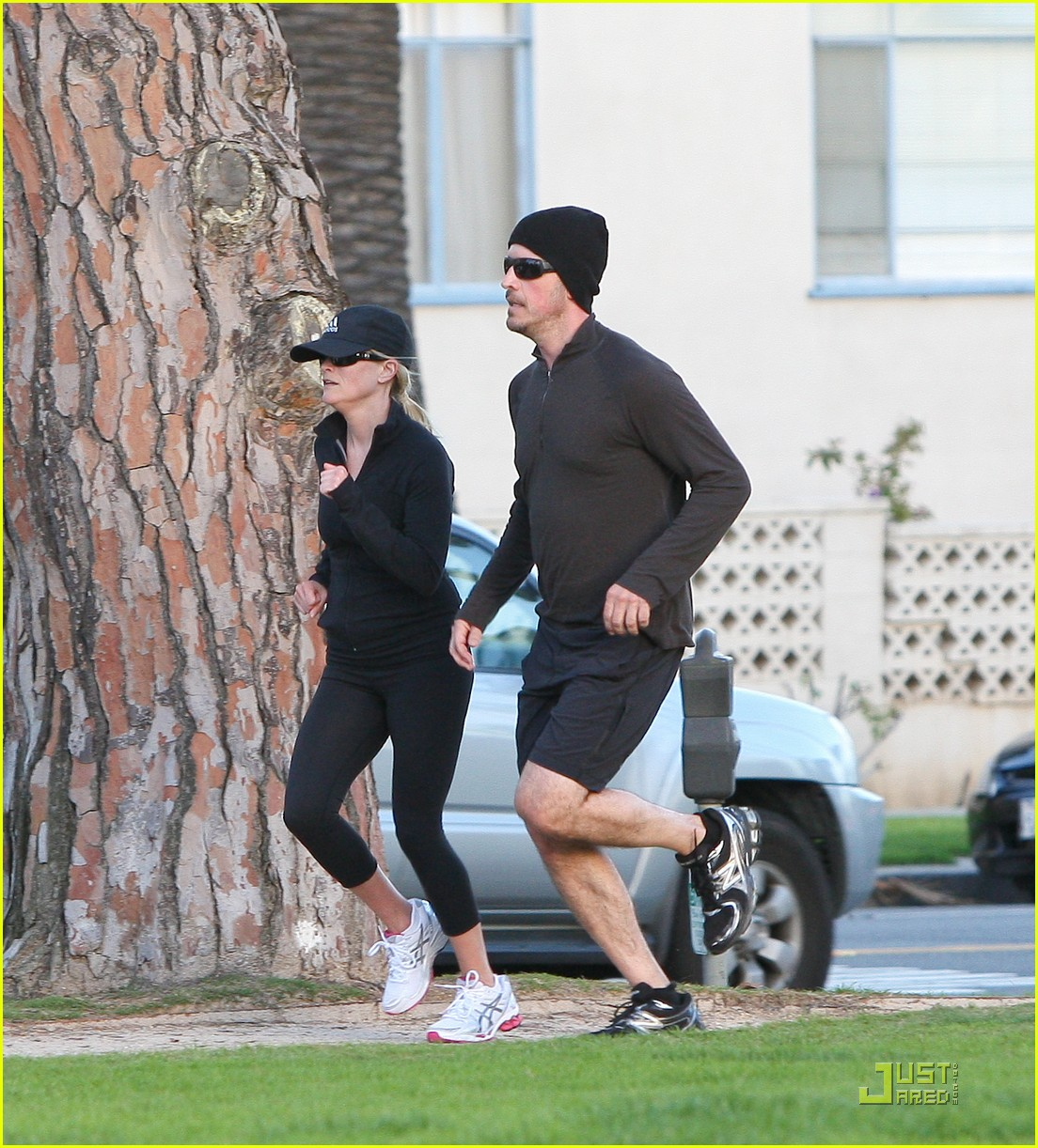 reese witherspoon jim toth jogging 03