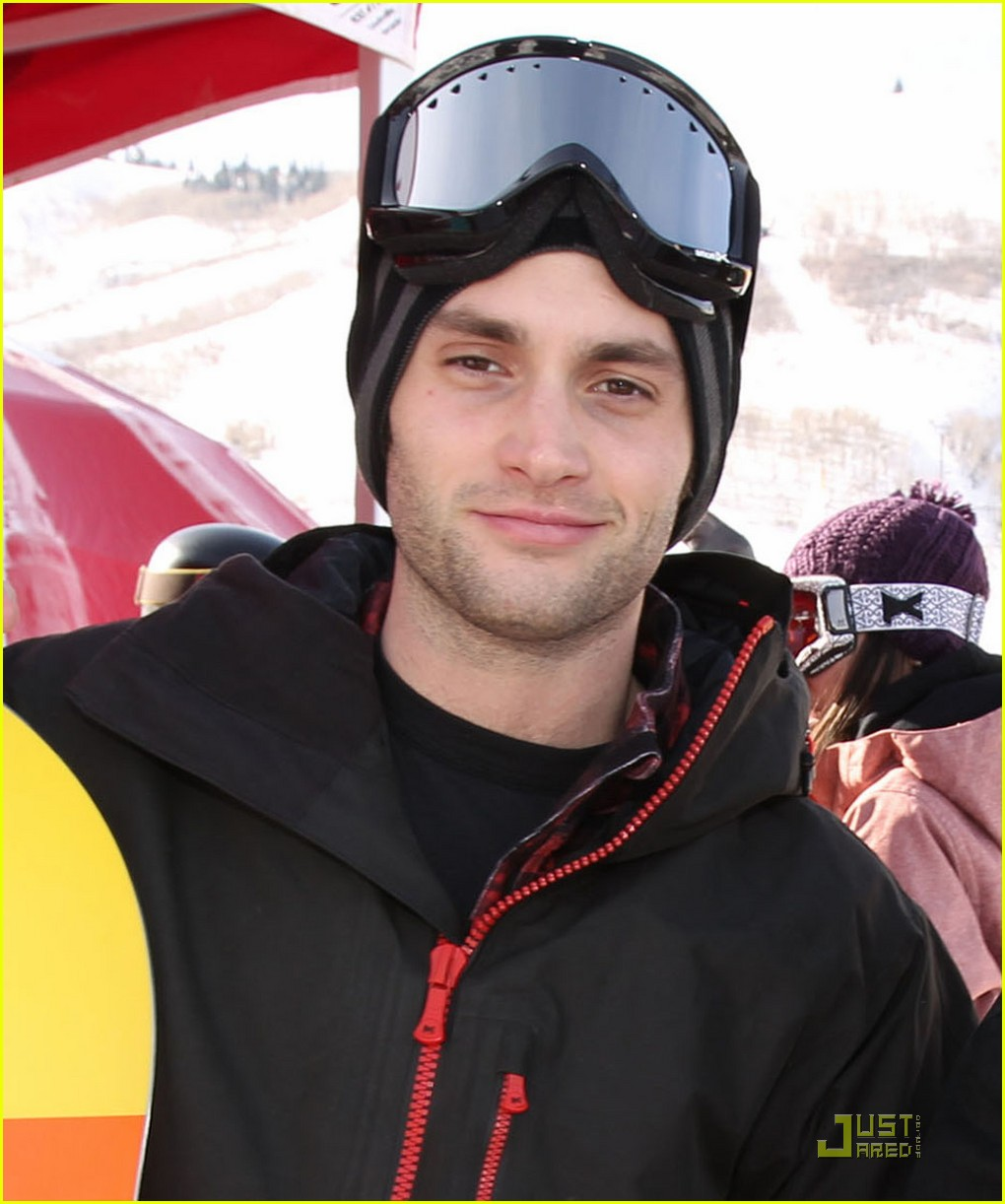 penn badgley snowboarding 02