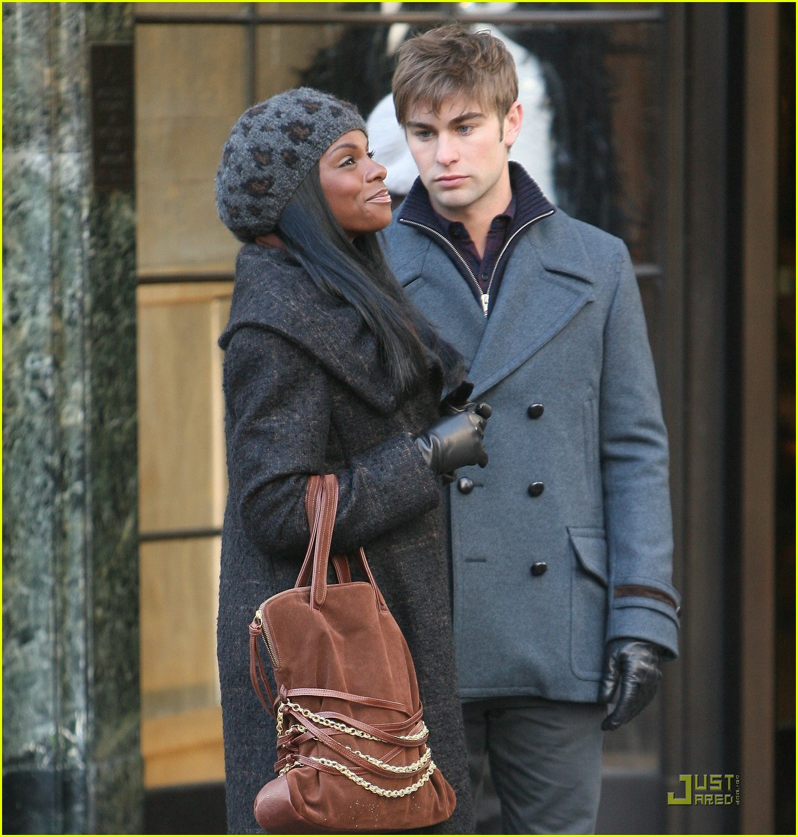 chase crawford keeps warm tika sumpter 01
