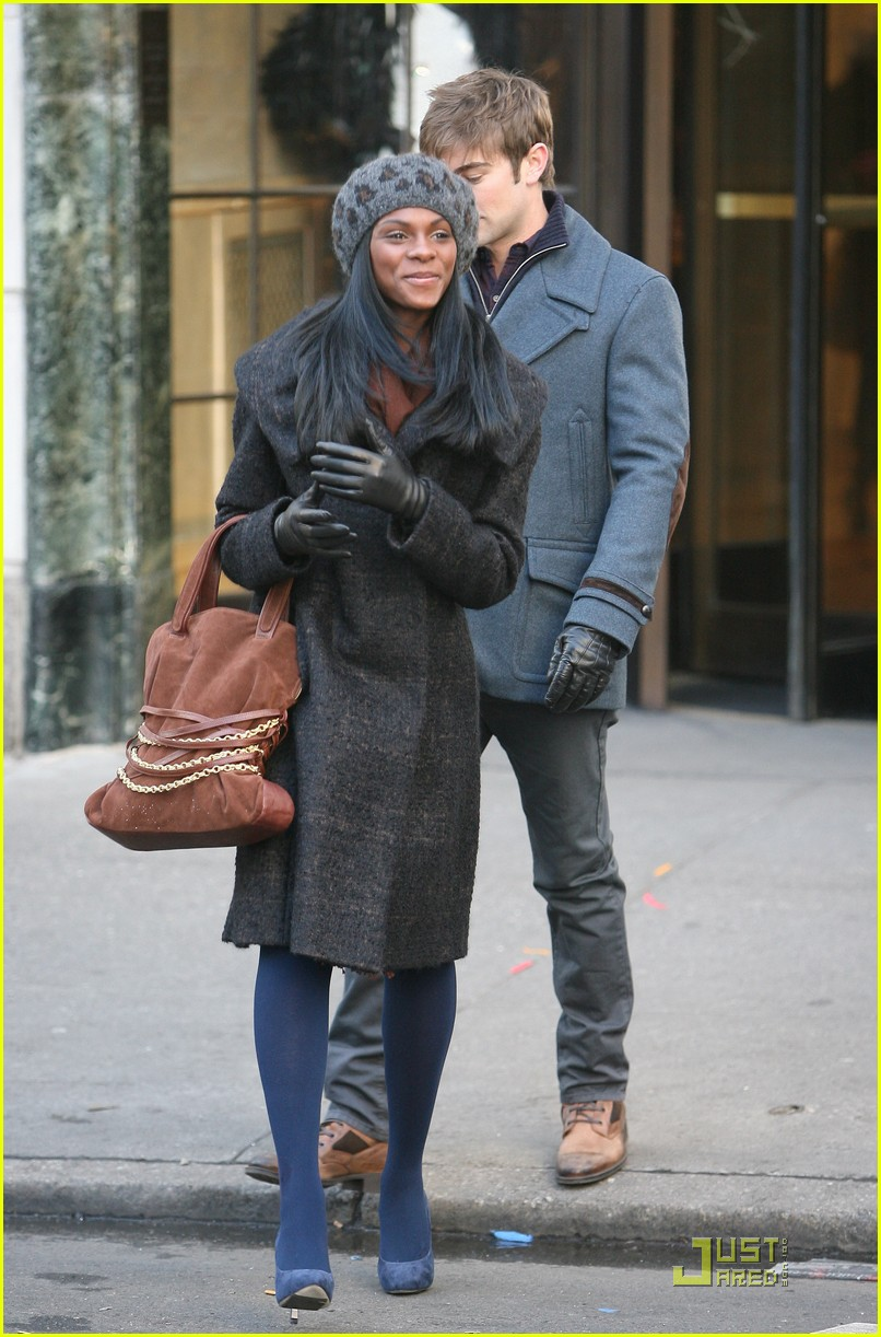 chase crawford keeps warm tika sumpter 03